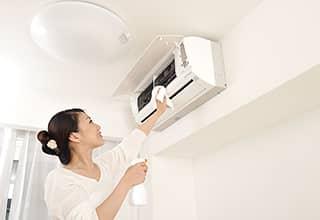 カーテンの洗濯、カーペット清掃、エアコン清掃で匂いをカット!