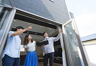 オープンハウスは、時間内なら予約なしでいつでも不動産物件を内覧できるため、多くの来場者が期待でき、販売の可能性がより高くなります。